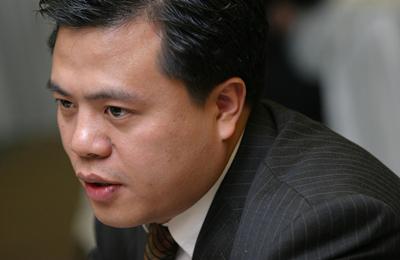 陈天桥:下一次产业革命的基础是?#29616;?#31185;学的?#40644;? style=